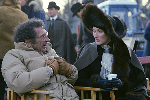 Out of Africa (1985): Pollack on the set with Meryl Streep - photo by Frank Connor/Universal Pictures
