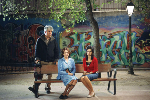 TWO WOMEN: Carmen Maura and Penélope Cruz as mother and daughter with director Almodóvar on the set of Volver. - photo by Emilio Pereda & Paola Ardizzoni/Sony Pictures Classics -