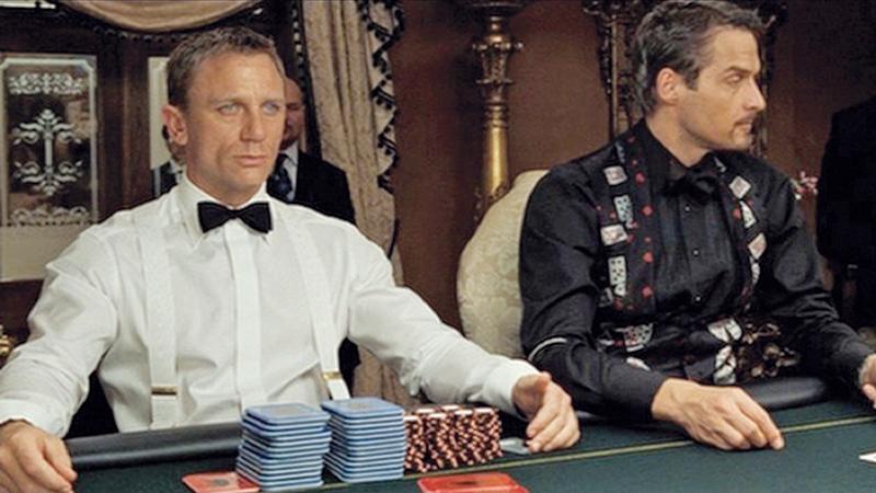 Директор школы играл в казино игровые автоматы спайк