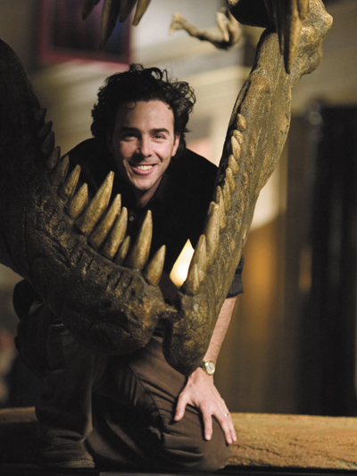 NOISES OFF: While directing Night at the Museum, Shawn Levy would make dinosaur sounds off-camera to help his actors play their scenes. - photos by Doane Gregory/20th Century Fox - click images for larger views and info.